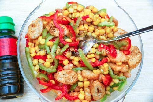 salat s konservirovannoj fasoliu 5